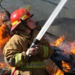 Nočni požar v Rogatcu, poškodba pri delu v gozdu