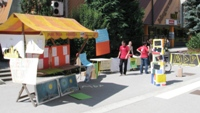 Prizorišče mladinske tržnice na Mestnem trgu