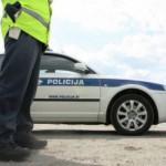Rogatec: Policisti v kombiju odkrili 22 beguncev