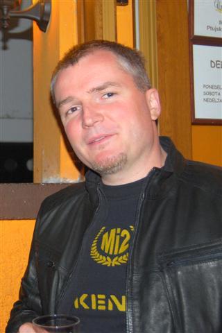 Basist skupine Robi Novak - Flik