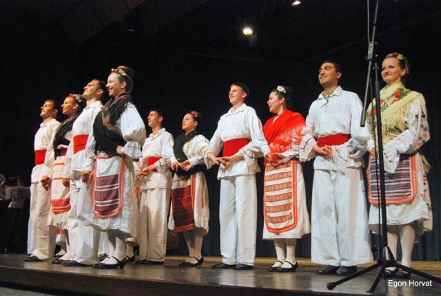 Folklorna skupina iz Srbije