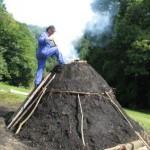 V Dobju prižgali kopo, pri Kozjanski domačiji do sobote še kopica dogajanja (video)