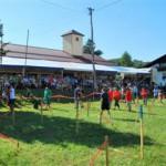 Na šaljivih kmečkih igrah v Zibiki vroče tudi gledalcem (foto in video)
