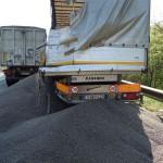 Na avtocesti sta pri izvozu Dramlje trčili tovorni vozili