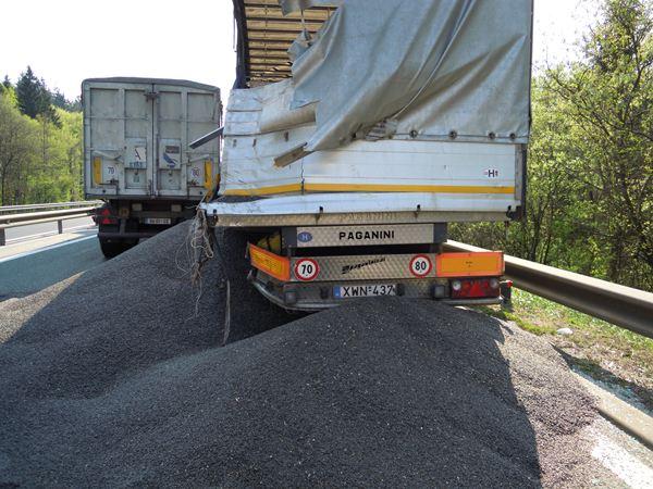 www.celje.info_wp-content_uploads_2011_04_nesreca_tovornjak1