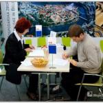Vas zanima kako priti na zaposlitveni intervju brez nadležnega pisanja prošenj? Enostavno, obiščite zaposlitveni sejem.