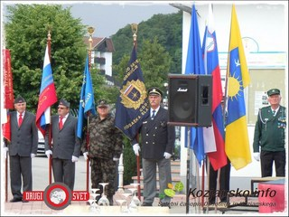 images_slike3_ured5_podcetrtek_dandrzavnosti34