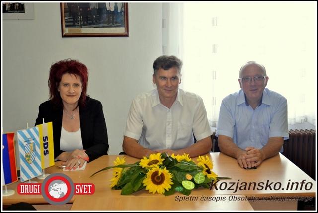 Vodja volilnega štaba Irena Nunčič, kandidat za župana občine Šmarje pri Jelšah Janko Šket in predsednik OO SDS Šmarje pri Jelšah dr. Vinko Gorenak