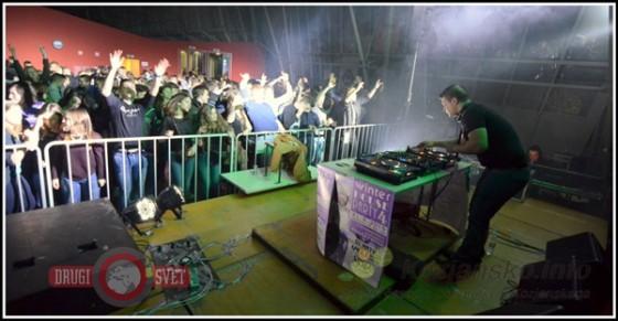 Obiskovalce je dodobra ogrel DJ Arty.