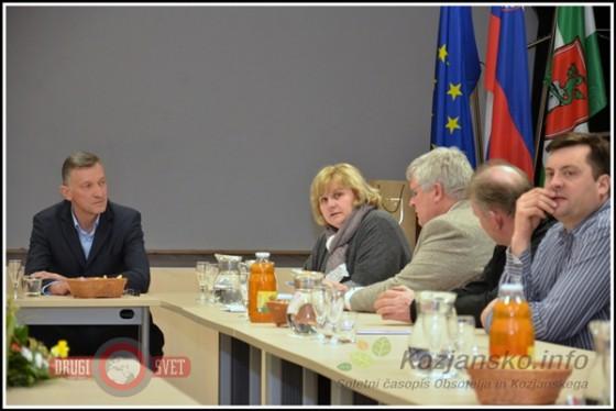 Od leve proti desni: podjetnik Hugo Bosio, direktorica  občinske uprave Občine Kozje Suzana Kunst in predstavnik Razvojne agencije Sotla Mirko Zorin.