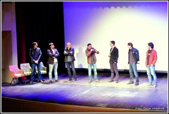 Nekateri člani zasedbe Mi2 in ustvarjalci glasbeno-dokumentarnega filma so po koncu ogleda nagovorili skoraj polno dvorano šmarskega kina.