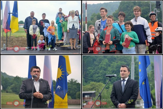 Knjižni nagradi sta iz rok župana Petra Misje prejeli družini Jereb in Govedič.