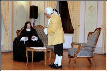 Utrinek z domišljijskega gledališkega prizora srečanja Marije Terezije in Jožefa II. (foto: Ernest Artič)
