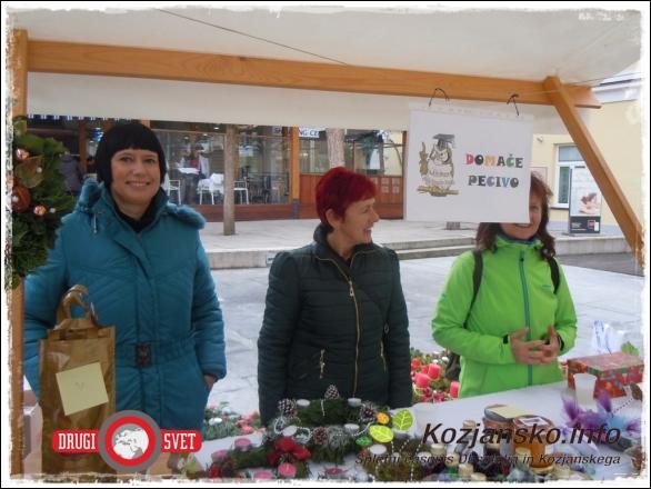 Na Miklavževem bazarju so tudi letos sodelovali člani Univerze za 3. življenjsko obdobje iz Ljudske univerze Rog. Slatina.