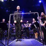 Tradicionalni božično-novoletni koncert Pihalnega orkestra Šentjur s Tilnom Artačem (foto, video)