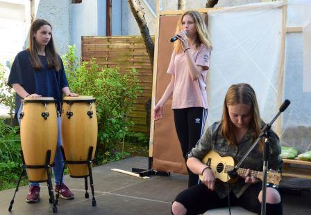 Melani, Klara in Eva
