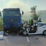 Pri Podsredi trčenje s tovornim vozilom (dopolnjeno s foto)