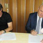 Podpis za gradnjo telovadnice na Svetem Štefanu