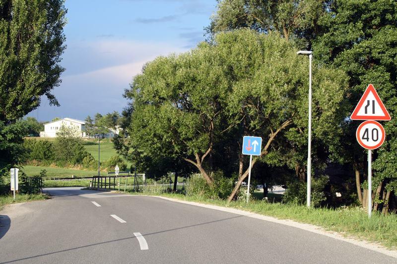 Znak 40km/h pri mostu na Kolodvorski ne velja samo za most, ampak vse do prvega križišča. A kje je to?