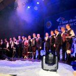 Zimska pravljica v Šmarju pri Jelšah z ansamblom Saša Avsenika in Slovenskim oktetom (foto, video)