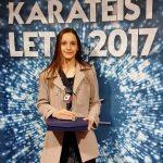 Laura Potisk na stopničkah balkanskega prvenstva