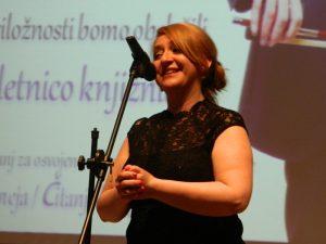 Direktorica knjižnice, mag. Nataša Koražija, je z zbranimi v dvorani Aninega dvora delila svoje misli ob posebnem dogodku.