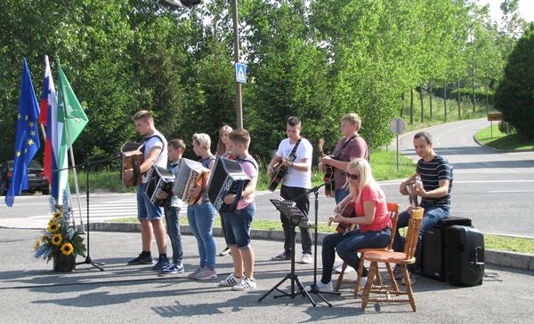 Za kulturni program so poskrbeli pri Glasbeni šoli Simona Plemenitaša