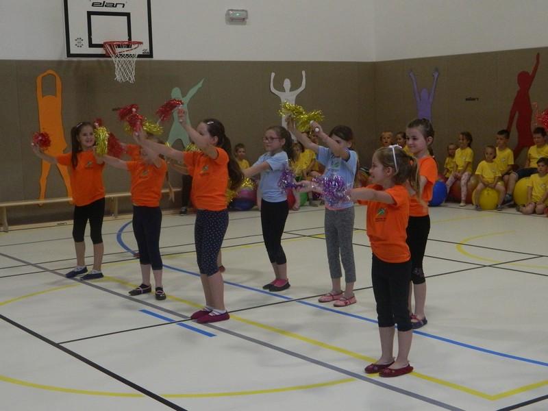 Za pester športno-kulturni program so poskrbeli otroci, ki obiskujejo POŠ Sveti Štefan.