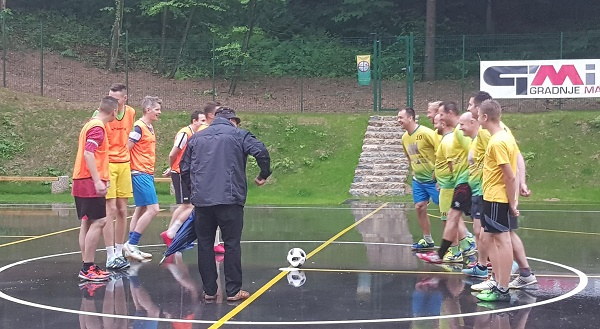 Uvodno tekmo sta odigrali ekipi Vrbnega in Podgrada