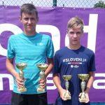 Mladi tenisač državni prvak v dvojicah in podprvak posamično
