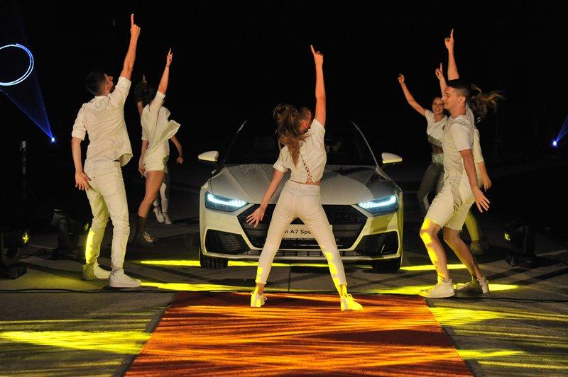 polnocna-tocka-poklon-aninemu-jutru-in-sinteza-moderne-plesne-umetnosti-in-vrhunske-tehnologije-audi-2