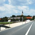 V Stopčah gradijo pločnik in kolesarsko stezo