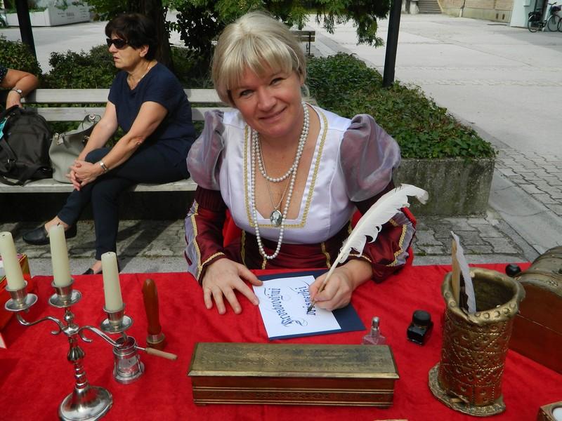 Kaligrafinje so s svojim delom začele prejšnje študijsko leto.