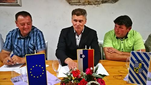 Na sliki z leve: Gorazd Močnik, Janko Šket in Matjaž Štruklec
