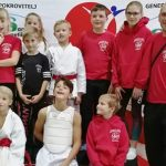 Karateisti s tremi polnimi kompleti medalj iz mesta hmelja