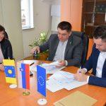 V Podčetrtku podpisali pogodbe za ureditev Emine tematske poti ter izgradnjo stolpa na Rudnici