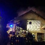 Ogenj uničil hlev pri Podsredi, domačini rešili živino (v nedeljo nova intervencija; foto)