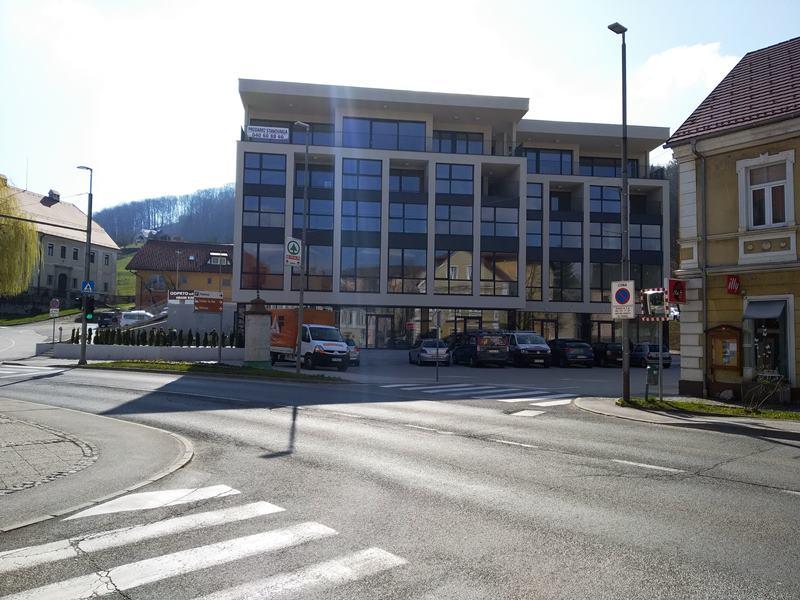 Župan računa, da bo nova šmarska pridobitev pritegnila tudi tranzitne potnike, da se v Šmarju vendarle ustavijo.