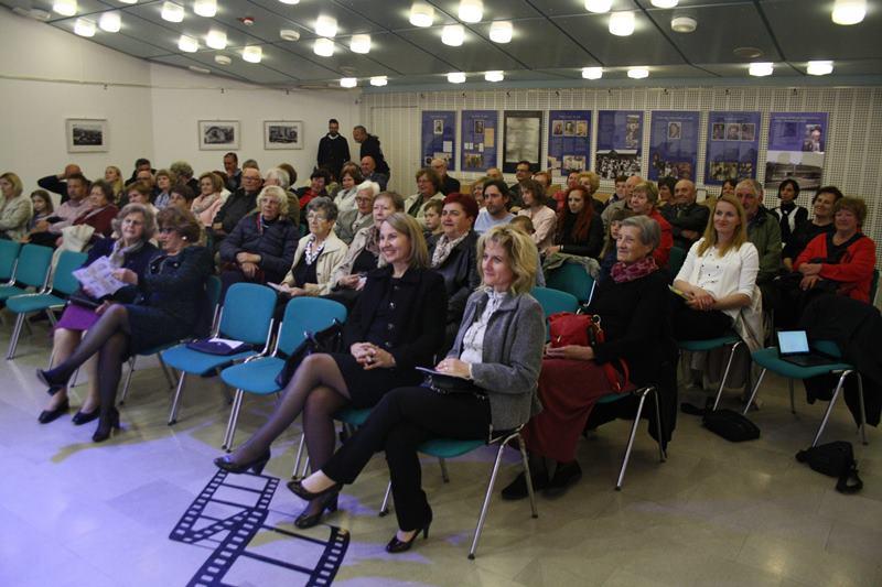 Otvoritev razstave je pritegnila lepo število obiskovalcev
