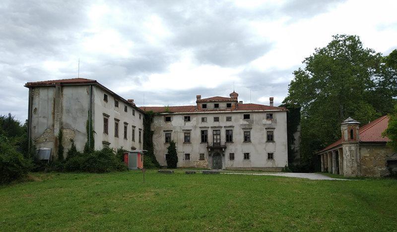 dvorec-jelsingrad2