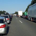 Zaradi prometne nesreče pred izvozom Dramlje več ur zaprta avtocesta. Povzročitelj vozil pijan