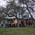V Kozjanskem parku odprli dve razstavi in se podali na pohod po kozjanskih sadovnjakih (foto)