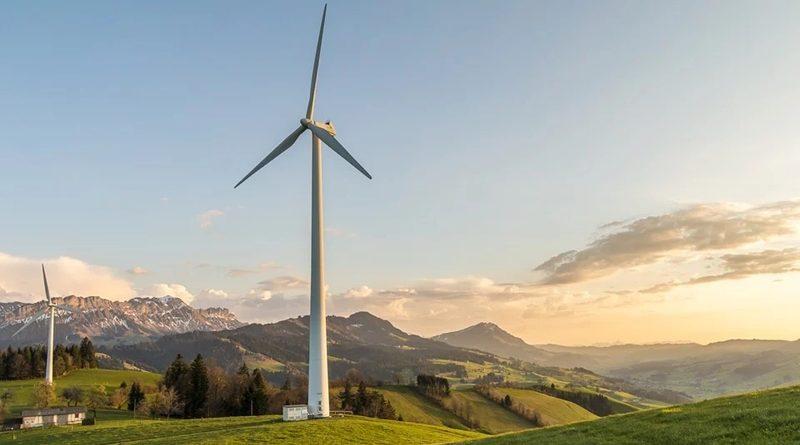 Slatinski investitor bi gradil vetrne elektrarne na Rogli. Kdo je proti in zakaj?