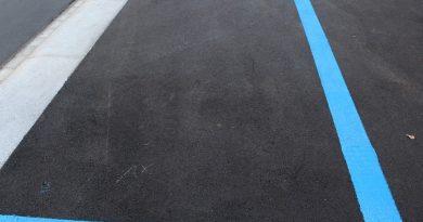 modra-cona-parkirisce