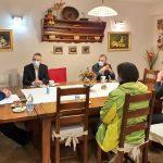 Ministra Gantar in Cigler Kralj na posvetu v Domu upokojencev Šmarje