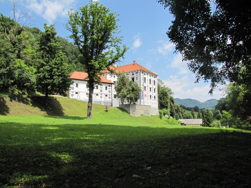 1-dvorec-strmol-rogatec