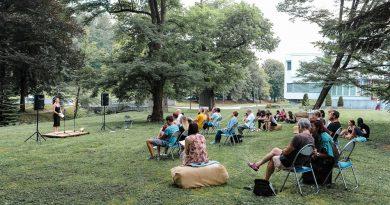 Otvoritev prve slatinske knjigobežnice in večer mlade poezije (foto)