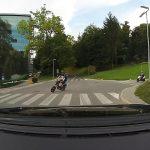 Nevarna vožnja mladeničev v Rogaški Slatini, ki bi se lahko končala tudi tragično (video)
