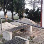 Neurje na Kozjanskem poškodovalo objekte in lomilo drevesa