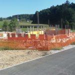 Gradnja večstanovanjskega objekta v Kostrivnici napreduje v skladu s terminskim načrtom